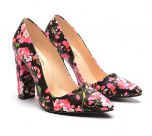 pantofu cu model floral