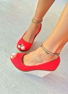 sandale cu platforme rosii