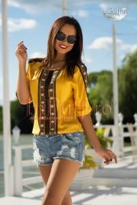 Bluza galbena cu motiv etnic