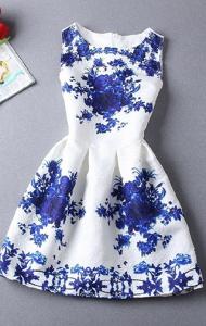 Rochie alba cu imprimeu albastru
