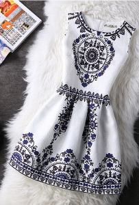 Rochie cu imprimeu rustic