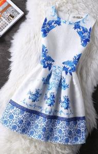 Rochie eleganta alba cu imprimeu albastru