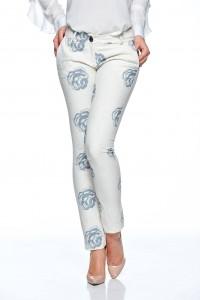 Pantaloni albi cu trandafiri