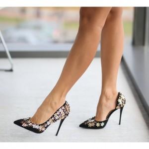 pantofi negrii cu floricele