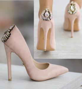 pantofi crem cu pietricele