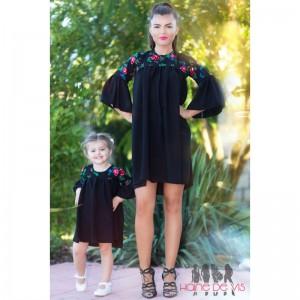 Rochii negre mama fiica cu model floral