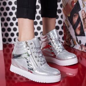 sneakers cu sclipici