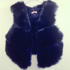 vesta de blana bleumarin