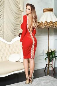 Rochie rosie cu spatele decoltat