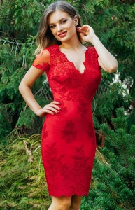 rochie din dantela rosie