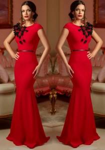 rochie rosie cu broderie pe bust