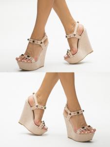 Sandale nude cu platforme