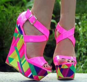 Sandale cu platforme fuchsia