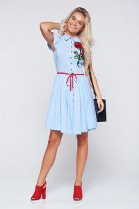 rochie casual albastra cu insertii de broderie